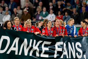 A comemoração e agradecimentos do FCR Duisburg