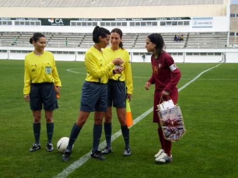 """Dolores Silva, """"Dó"""", uma das capitãs Sub-19 no mini-torneio de apuramento para o EURO Sub-19"""