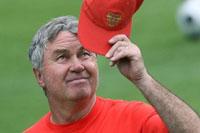 Guus Hiddink tira o chapéu à selecção feminina da Rússia (© UEFA)