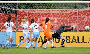 Golo, através da marcação de grande penalidade, que permitiu a importante vitória da Sky Blue