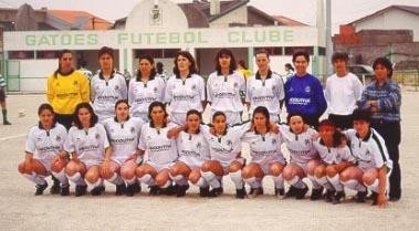 Gatões de regresso ao futebol feminino pela mão de Alfredina Silva (fotografia da época 2000/2001)