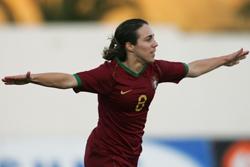 Edite Fernandes bisou na partida diante do Birkirkara (©FPF)