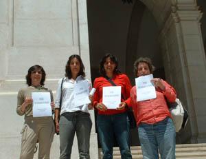 Fernanda Piçarra (Trainadora CRCQL), Marisa Lima e Catarina Cancels (jogadoras de Futsal do S.L.Bentica) e Isabel Cruz (Ass. Port. Mulheres e Desporto)