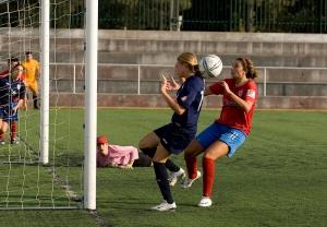 Carolina Mendes atirou ao poste da baliza adversária depois de uma boa jogada de Cátia Perdiz