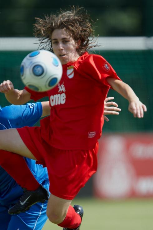 Edite Fernandes, ao serviço do 1.º Dezembro, na Champions League 09